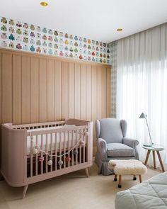 Bom dia com essa fofura de quarto de bebê ✨ #ahlaemcasa #quartodebebe #quartodebb #papeldeparede #berço #poltrona