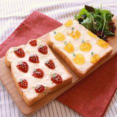 「朝から楽しい気分!トーストアート」の作り方を簡単で分かりやすい料理動画で紹介しています。かわいいトーストアート! 話題のトーストで朝ごはんを楽しくしてみませんか? 柄はお好きなものにアレンジ可能!お子様と一緒にアートを楽しみながら作ることもできます。 朝食を楽しく美味しくさせてくれること間違いなし! ぜひ作ってみてくださいね。