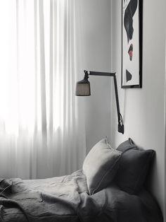 slaapkamer met wandlamp voor bij het bed vipp slaapkamer verlichting huis verlichting