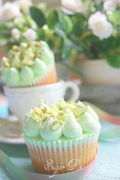 Pistachio & Rose-water cupcakes by Sugar Pot Yummy Cupcakes, Cupcake Cookies, Köstliche Desserts, Delicious Desserts, Cake Feta, Cupcake Recipes, Dessert Recipes, Tolle Cupcakes, Decoration Patisserie