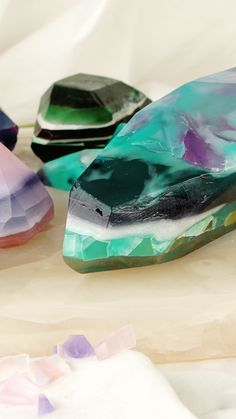 Multi-colored soaps that look like precious gemstones are almost too pretty to use. Multi-colored soaps that look like precious gemstones are almost too pretty to use. Handmade Soap Recipes, Handmade Soaps, Diy Soaps, Diy Soap Video, Cold Process Soap, Home Made Soap, Soap Making, Diy Beauty, Homemade