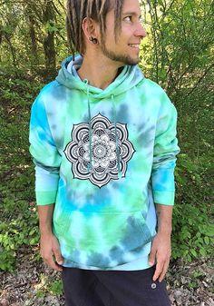 mandla-batik-festival-hoodie-psy-rainbow-dyed-retro-monotobi-hippie-goa-kleidung-klamotten-psychedelic-pullover-festival-yoga-bohemian flower sacred geometry tie dye green