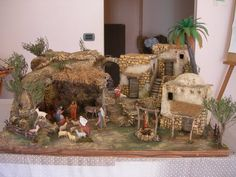 Christmas Crib Ideas, Simple Christmas, Christmas Holidays, Christmas Crafts, Christmas Decorations, Xmas, Christmas Ornaments, Diy Nativity, Christmas Nativity Scene