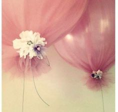 Balloons made of tulle filled with balloons