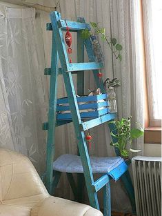 Karin-blue-cat-ladder-5. Made from an old ladder, a wine crate, and a piece of wood. Cat tower on the cheap! I'm so doing this in a white crackle finish! -Dyane