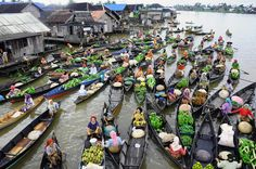 Culture: Floating markets in Thailand, Vietnam, India or Africa. Floating markets are very unique and gives a delightful surprise. They are not less crowded compared to our regular markets, but the difference is that the floating markets float on water. Literally the trading is carried out on waters.
