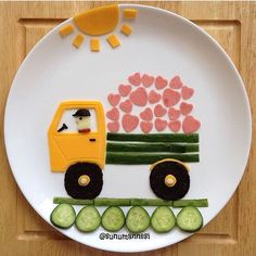 Snack time is here. Cute Snacks, Cute Food, Good Food, Food Art For Kids, Cooking With Kids, Food Design, Toddler Meals, Kids Meals, Fruits For Kids