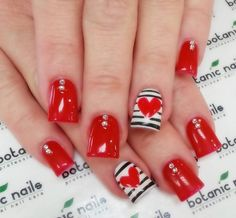 Discover See more about Cool Easy Nails, Easy Nail Art and Easy Nails. Cute Red Nails, Fancy Nails, Love Nails, Trendy Nails, Cool Easy Nails, Easy Nail Art, Simple Nails, Amazing Nails, Botanic Nails