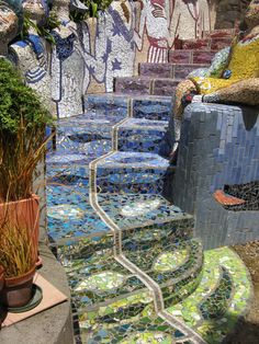 A Wandering Widow - Solo Travel: The Giant's House Sculpture and Mosaic Garden, Akaroa, New Zealand Mosaic Stairs, Mosaic Walkway, Tile Stairs, Mosaic Garden, Mosaic Wall, Mosaic Glass, Mosaic Tiles, Stained Glass, Glass Art