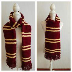 Echarpe au crochet inspirée d'Harry Potter de la boutique Mu1too sur Etsy