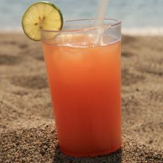 Keep your ingredients seasonal and the drink tropical with the fruity Sea Breeze, a recipe that's great for winter imbibing. It's light and refreshing and—bonus—it takes less than five minutes to make.