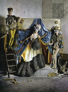 Lady Grey - Charles Guislain, Stella Tennant e Imogen Morris-Clarke in Givenchy Haute Couture by Riccardo Tisci s/s 2007 e s/s 2008 - March 2010 - Vogue Italia Unique - Styling Jacob K - Tim Walker