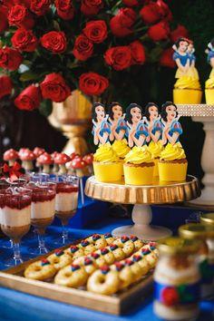 Birthday Cupcakes, 2nd Birthday Parties, Kids Party Decorations, Party Themes, Disney Cars Party, Disney Mickey, Snow White Wedding, Snow White Birthday, Bday Girl