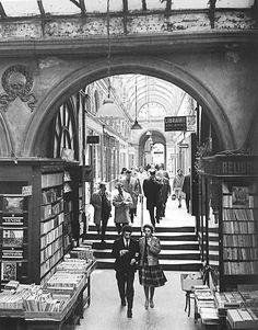 Staircase at La Galerie Vivienne, Paris, France - Vintage Paris, Old Paris, Old Pictures, Old Photos, Vintage Photos, Galerie Vivienne, Paris Ville, I Love Paris, Paris Photos