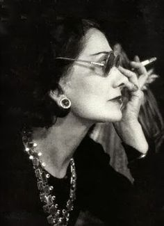 coco+chanel,+1948,+by+man+ray.jpg (286×395)