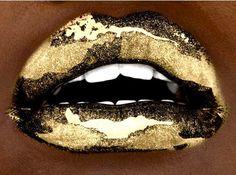 Metallic gold lips