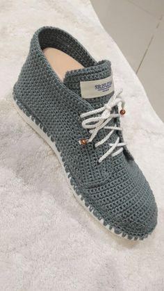 For Light and Fresh Look. 38 Chic Casual Shoes Ideas That Will Inspire You This Summer – Top 10 Shoes Fall Fashion Style. For Light and Fresh Look. Crochet Sandals, Crochet Boots, Diy Crochet, Crochet Clothes, Crochet Shoes Pattern, Shoe Pattern, Knit Shoes, Sock Shoes, Top 10 Shoes