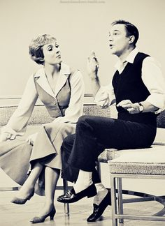 julie andrews, gene kelly Two of my idols in one picture....Love them