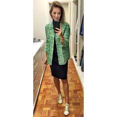 Com um casaco amplo e mais longo você consegue usar aquele seu vestido justo tmb no dia a dia. Só não vale se for curtissimo. #dicadodiadabia