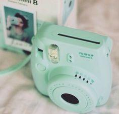 Cute blue version of a Fujifilm Polaroid camera Poloroid Camera, Instax Camera, Mini Camera, Instax Mini 8, Fujifilm Instax Mini, Mint Green Aesthetic, Polaroid Pictures, Mint Color, Mint Blue