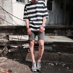Pin: (͡° ͜ʖ ͡°) fashion moda, boy fashion Streetwear Mode, Streetwear Fashion, Casual Outfits, Men Casual, Fashion Outfits, Korean Fashion Men, Mens Fashion, Boy Fashion, Vintage Outfits