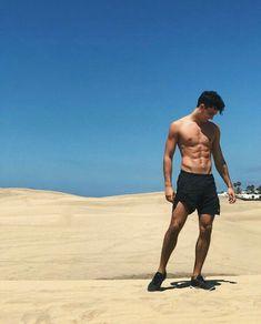 Dance with me, it won't kill ya 🌞 Teen Wolf, Jordy Baan, Rafael Miller, Xavier Serrano, Beach Photography Poses, Boy Poses, Hot Hunks, Fashion Poses, Cristiano