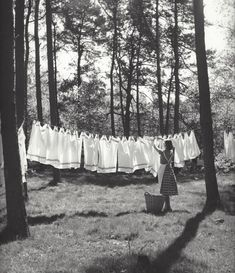 KEES SCHERER — Kees Scherer   Holland , 1953-1958 Line Photography, Outdoor Photography, Vintage Photography, Clothesline Pictures, Laundry Lines, Laundry Rooms, World Press Photo, Pajamas All Day, Vintage Laundry