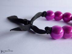 Bracelet ruban satin noir et perles magiques fuchsia - bracelet - Les Bijoux Fée-mina - Fait Maison