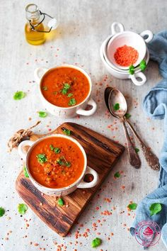 zupa z soczewicą i pomidorami Soup Recipes, Recipies, Cooking Recipes, Cooking Ideas, Halloumi, Garam Masala, Food For Thought, Food Photography, Easy Meals
