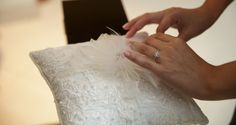 www.andreasimon.com.ec #andreasimonep #wedding #bride #groom #bridesmaids #flowers #floralarrangements #weddingplanning #ecuadorianwedding #chandelier #swing #petitfours #dessert #pattiserie #ringpillow #pillowring