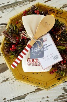 Christmas Neighbor Gifts with 12 Free Christmas Printables   theidearoom.net