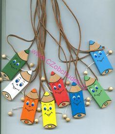 Přívěsek na krk Pastelka - ručně malovaná Diy And Crafts, Crafts For Kids, Arts And Crafts, Paper Crafts, Preschool Art, Preschool Activities, School Displays, 1st Day Of School, School Decorations