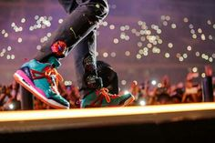 C<3ldplay>> I love his shoes!!!