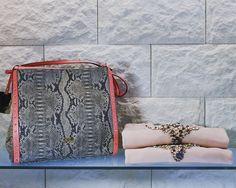 Cavalli class - Evolution boutique #borse #look #accessori #evolutionboutique #evolutionlei #nuovaboutique #abbigliamentodonna #fashion #fashionpuglia #weareinpuglia #shoulderbag #donna #evolution #eccellenza #moda #Puglia #felpe #Twinset #sole #mare #shopping #animalier #print #pesca #swarovski #scarpe #Primaveraevolution #estate #springsummer #newcollection #pink #rosa #felpedonna