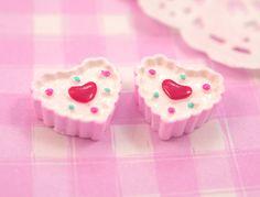 6 x Cute Pink Strawberry Heart Cakes Dessert Resin Flat Back Cabochons Beads, Decoden kawaii kitsch - 14 x 12mm. £2.45, via Etsy.