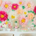 Ok, let me just say that thisDIY floral wall backdrop this gorgeous momma whipped up for her little one's first birthday is kind of beyond good, and definitely deserves a standing ovation. My jaw would drop in the best possible