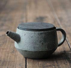 ceramic tea pot - takasi endo