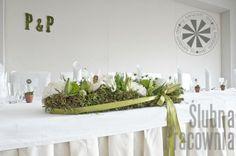 zielony bukiet na stole młodej bary