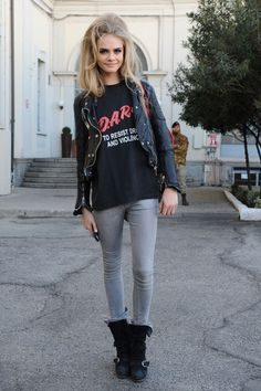 Cara Delevingne with crazy hair but a crazy cool casual outfit.