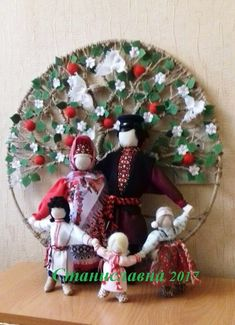 Фотография Christmas Tree, Christmas Ornaments, Felt Toys, Handmade Toys, Doll Patterns, Art Girl, Doll Clothes, Projects To Try, Dolls