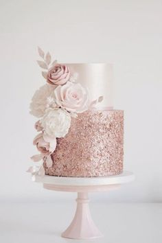 Rose gold sequins and blush flowers today for Sola. Hope you enjoy your party at Coombe Abbey x Rose gold sequins and blush flowers today for Sola. Hope you enjoy your party at Coombe Abbey x Sparkly Wedding Cakes, Rose Wedding Cakes, Bling Wedding, Blush Pink Wedding Cake, Sparkly Cake, Formal Wedding, Rosegold Wedding Cake, Romantic Wedding Cakes, Rose Gold Weddings