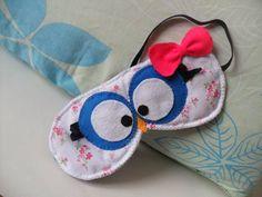 Máscara de Dormir Corujinha, em feltro tecido e cetim. Bordada a mão. Fique linda para um boa noite de sono! R$ 18,00