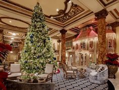 Fairmont San Francisco at Christmas - World Famous Gingerbread House