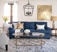New living room decor on a budget blue couch ideas Blue And Gold Living Room, Blue Couch Living Room, Glam Living Room, Coastal Living Rooms, New Living Room, Interior Design Living Room, Living Room Designs, Living Spaces, Living Room Ideas Navy Sofa