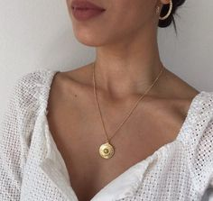 Dainty ethnic medallion necklace on a thin ball chain that will upgrade your everyday look! Goes perfect in layers with other necklaces. MATERIAL: gold plated Nickel free MEASURES: Pendant size- X Chain size- Width , Length- with extender chain. Promise Ring For Girls, Rings For Girls, Girls Jewelry, Women Jewelry, Fashion Jewelry, Gold Rings Jewelry, Simple Jewelry, Boho Rings, Boho Engagement Ring