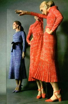 Fabulous dresses by Givenchy, 1970 knit sweater dress designer st john like outfit skirt top belt red blue vintage 70s