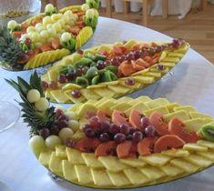 Fruit Tables, Fruit Buffet, Deco Fruit, Edible Fruit Arrangements, Party Food Platters, Fruit Platters, Fruit Creations, Fruit And Vegetable Carving, Food Carving