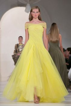 A look from the Ralph Lauren Spring 2015 RTW collection.