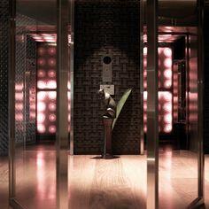 Ma Du Zi Hotel – Elevator  http://www.boutiquebangkok.com/bangkok/maduzi-hotel
