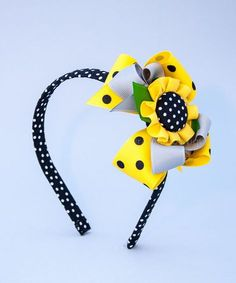 Ribbon Hair Bows, Diy Hair Bows, Ribbon Art, Ribbon Crafts, Felt Flowers, Fabric Flowers, Making Hair Bows, Diy Bow, Diy Hair Accessories